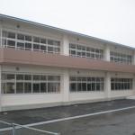駅川中学校校舎